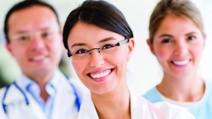 Formation aux métiers de la santé : l'alternance pour apprendre plus vite